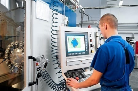 """Hoe kunnen wij de verschillende apparaten in de fabriek verbinden en met elkaar laten """"communiceren""""?"""